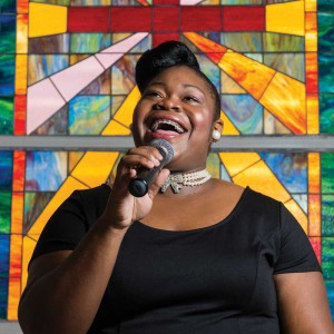 Robyn Hinds, gospel singer. By Steve Passmore, Provo Pictures.